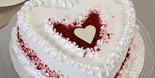 Red Velvet Heart Cream Cake