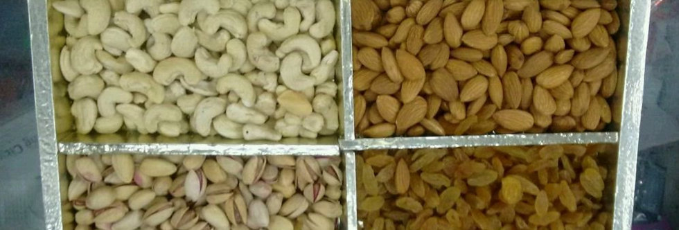 Assorted Nuts Set