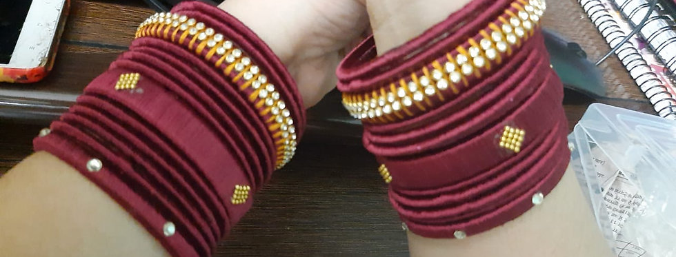 SILK THREAD GLASS BANGLES SET