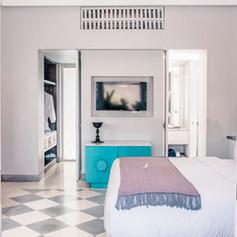 Room Gallery 1.jpg