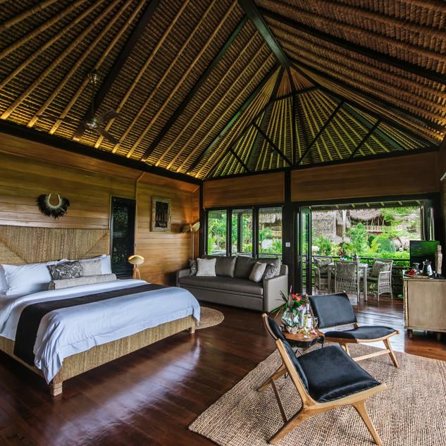 Keneryi Lodge Interior.jpg