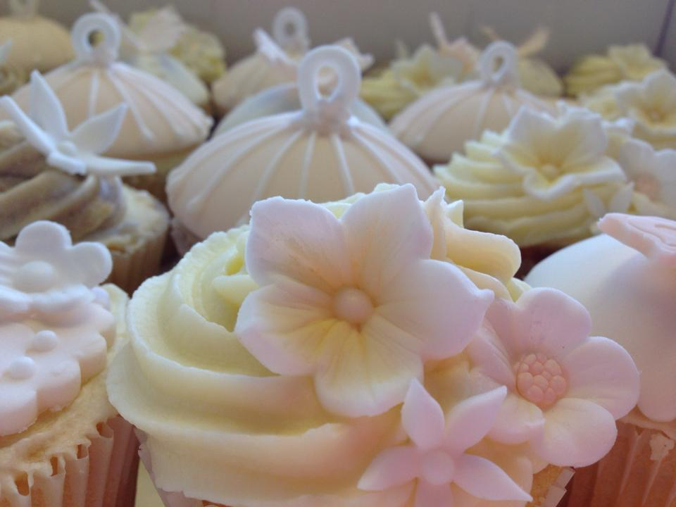 Shabby Chic Wedding Cupcakes