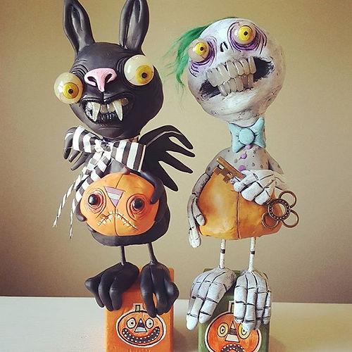 #bat #halloweenbat #skeleton #halloweenskeleton #bewitchingpeddlersofhalloween #mealymonster #hallow
