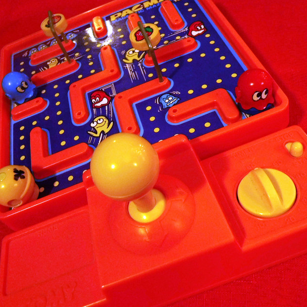 Pac-Man Magnetic Maze