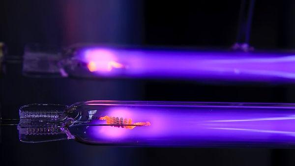 lamparas-de-luz-ultravioleta_7bd1b630_12