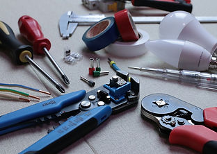 electrician-3087536_960_720.jpg