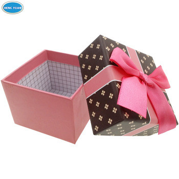 Cute-Paper-cardboard-birthday-cake-box-b