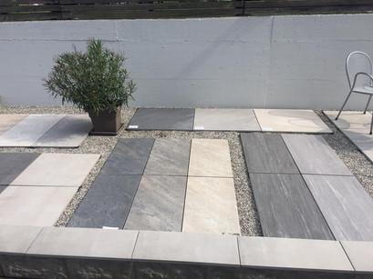 85 verschiedene Gartenplatten