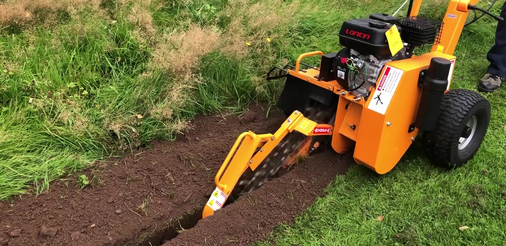 Lumag Trencher in use.mp4