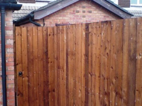 Feather edge fencing at 6ft