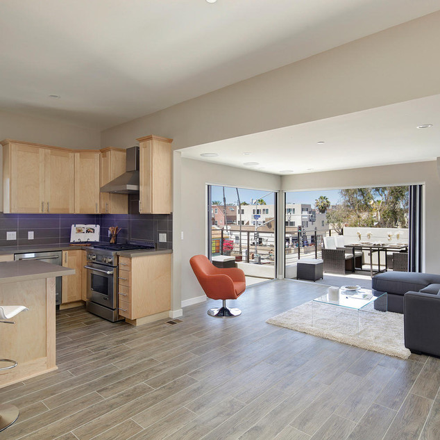 Mission Beach Town home-Oceanview with Roof Deck Russ Petrone Properties