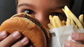 Campanha Setembro Laranja alerta para a obesidade infantil.