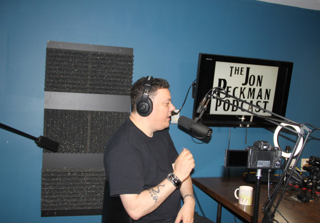 Ep. 16 On this special episode, Jon Peckman becomes the interviewee as Dave Kuzminski asks him about his experience in the music industry.