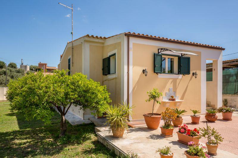 Лимонный дом для отдыха на Сицилии