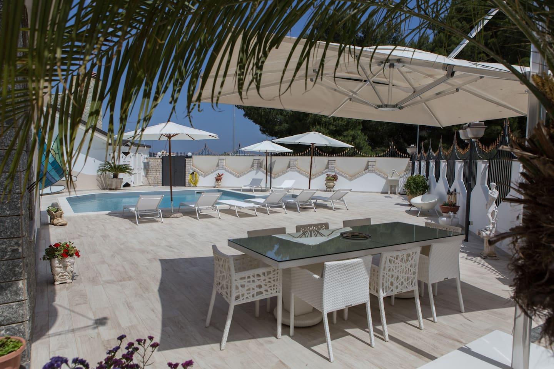 Вилла с бассейном на Сицилии