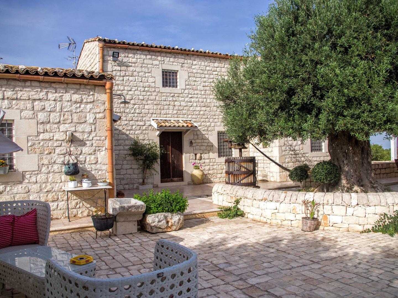 Дом с террасой Розолини, отдых на Сицилии