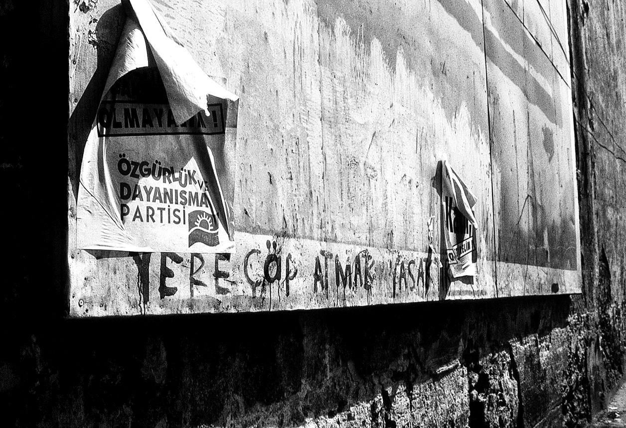 Bursa+Graffiti,+Turkey.jpg