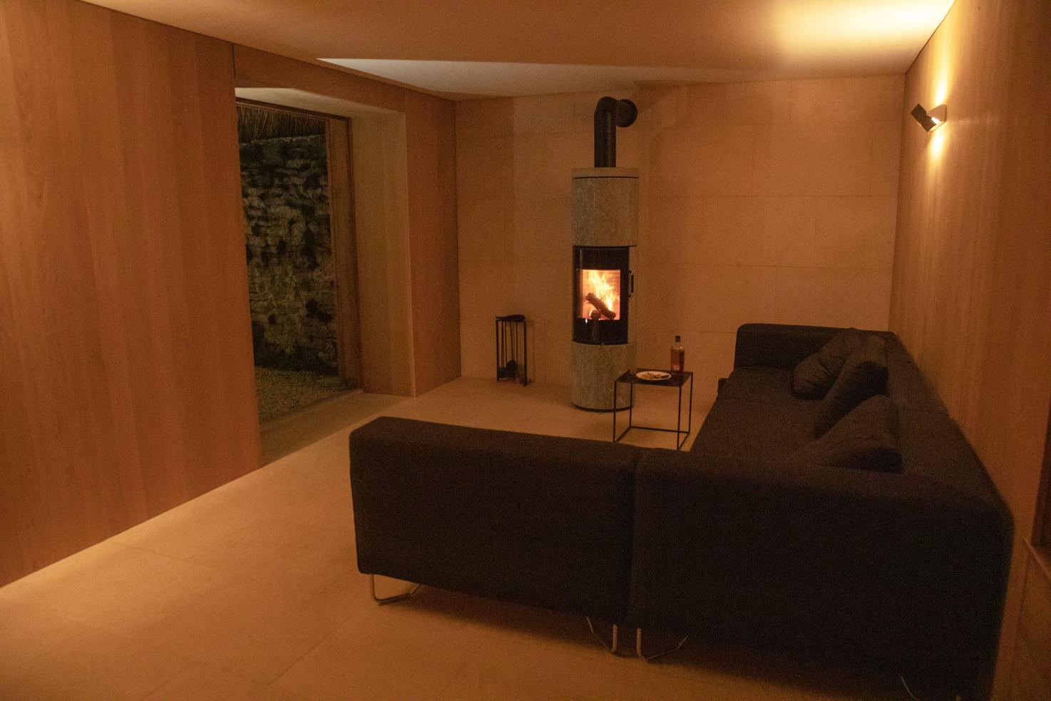 lounge_night_LT.jpg