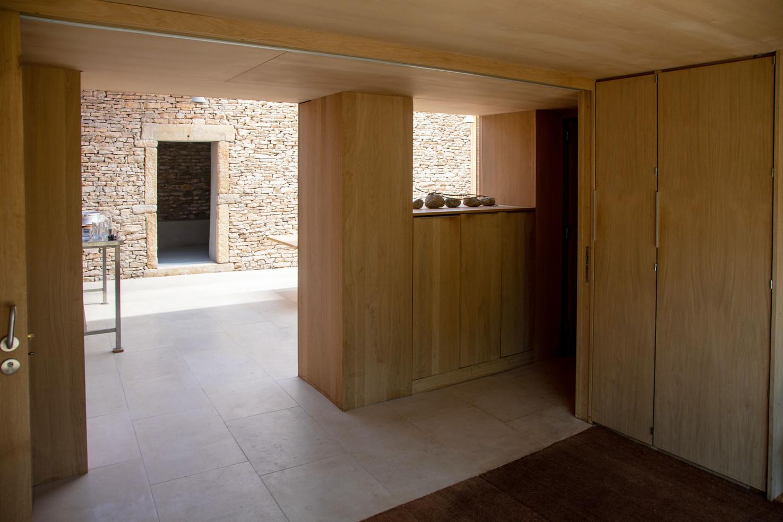 entrance_kitchen_LT.jpg