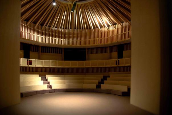 Dreamtheatre interior 1 - light.jpg