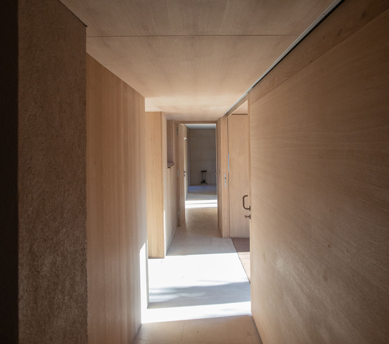 corridor_LT.jpg