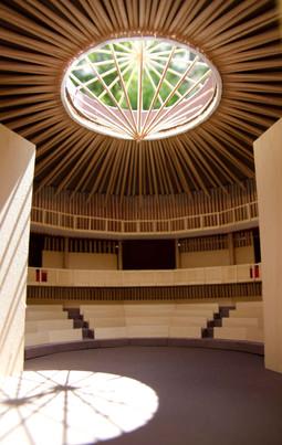 Dreamtheatre interior 3 - light.jpg