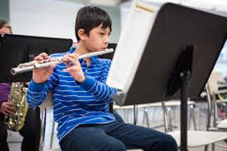 boy flute.jfif