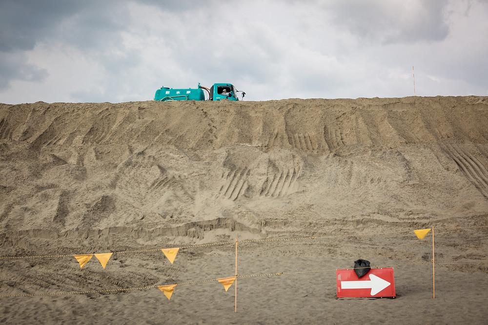 中田島砂丘の防潮堤工事
