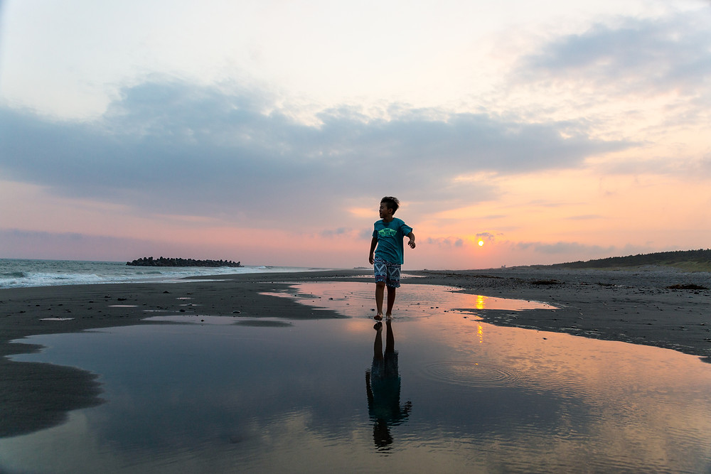 中田島砂丘と少年