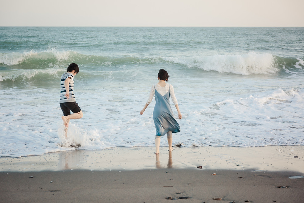 中田島砂丘の波打ち際で