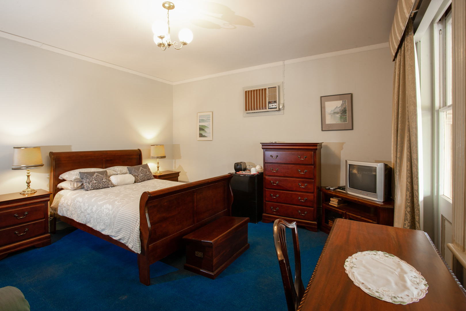 Queen-Sandford Room .jpg