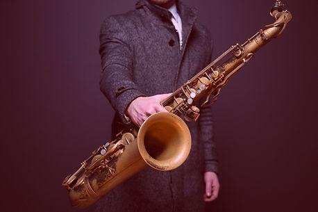 saxophone-918904_1920_edited.jpg