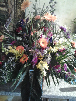19) Funeral Basket $165.00