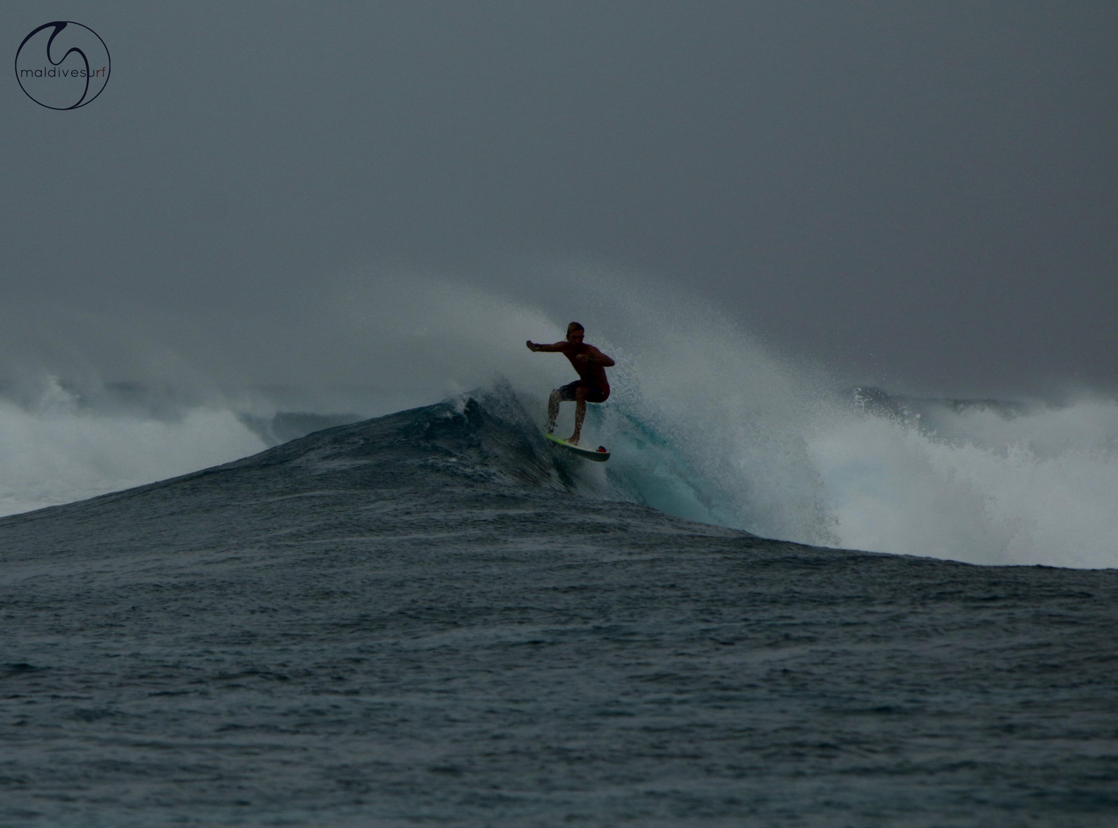 на мальдивской волне
