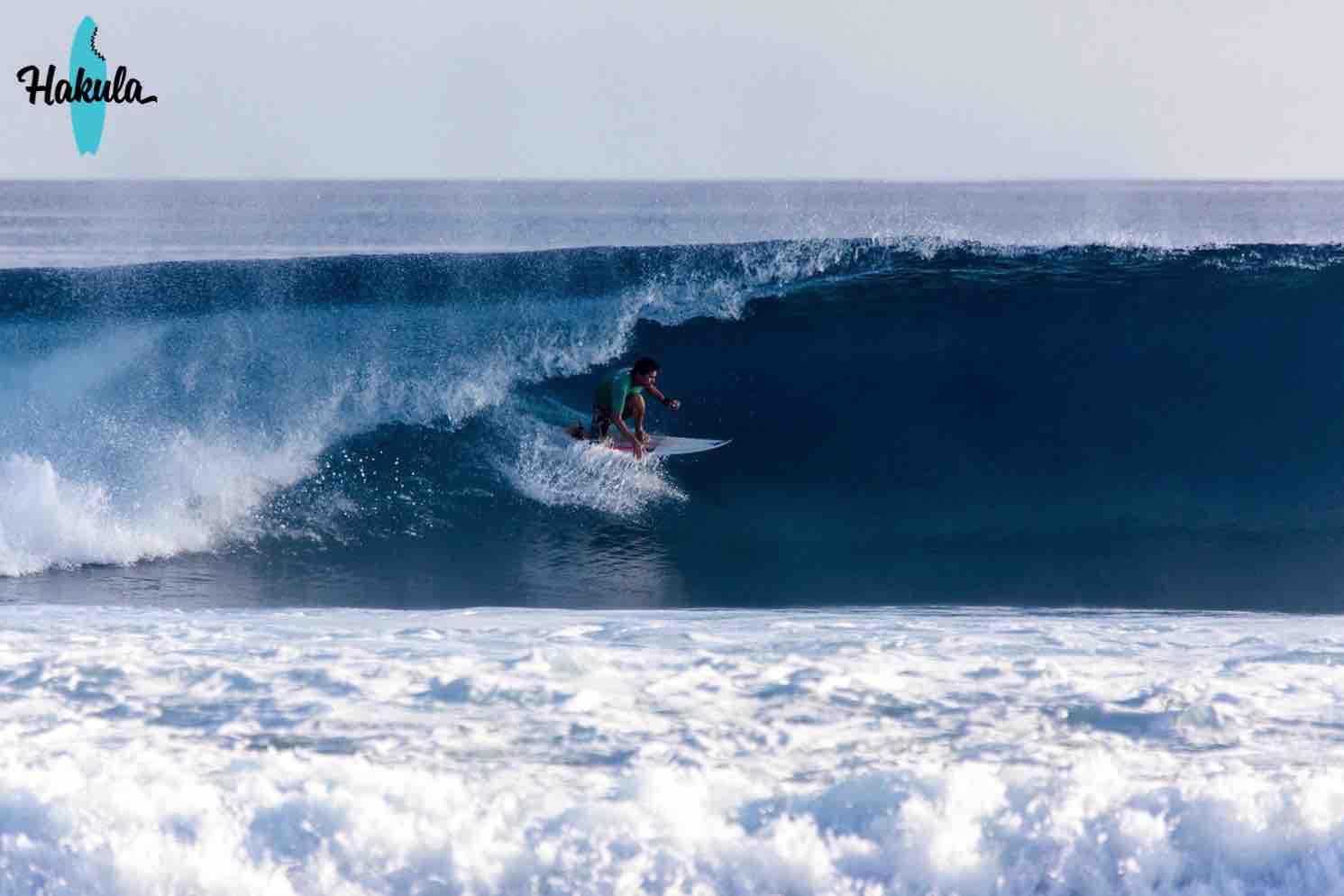 серфинг на большой волне