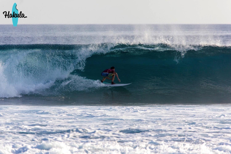 серфинг в больших волнах