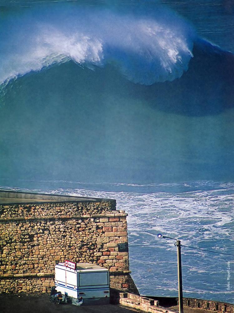 Первая опубликованная фотография волны Прайа до Норте