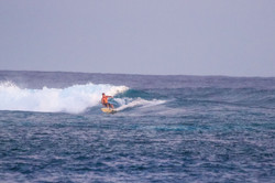 Сёрф-сафари на Южные Атоллы Мальдив