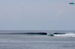 пустая мальдивская волна