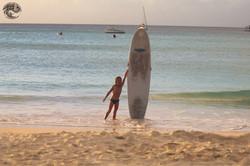 обучение детей серфингу на Барбадосе
