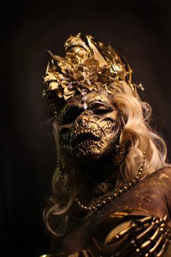]gold skull