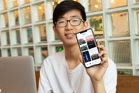 iphone-xs-max-mockup-featuring-a-geek-ma
