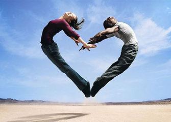 couple_jumpheart.jpg