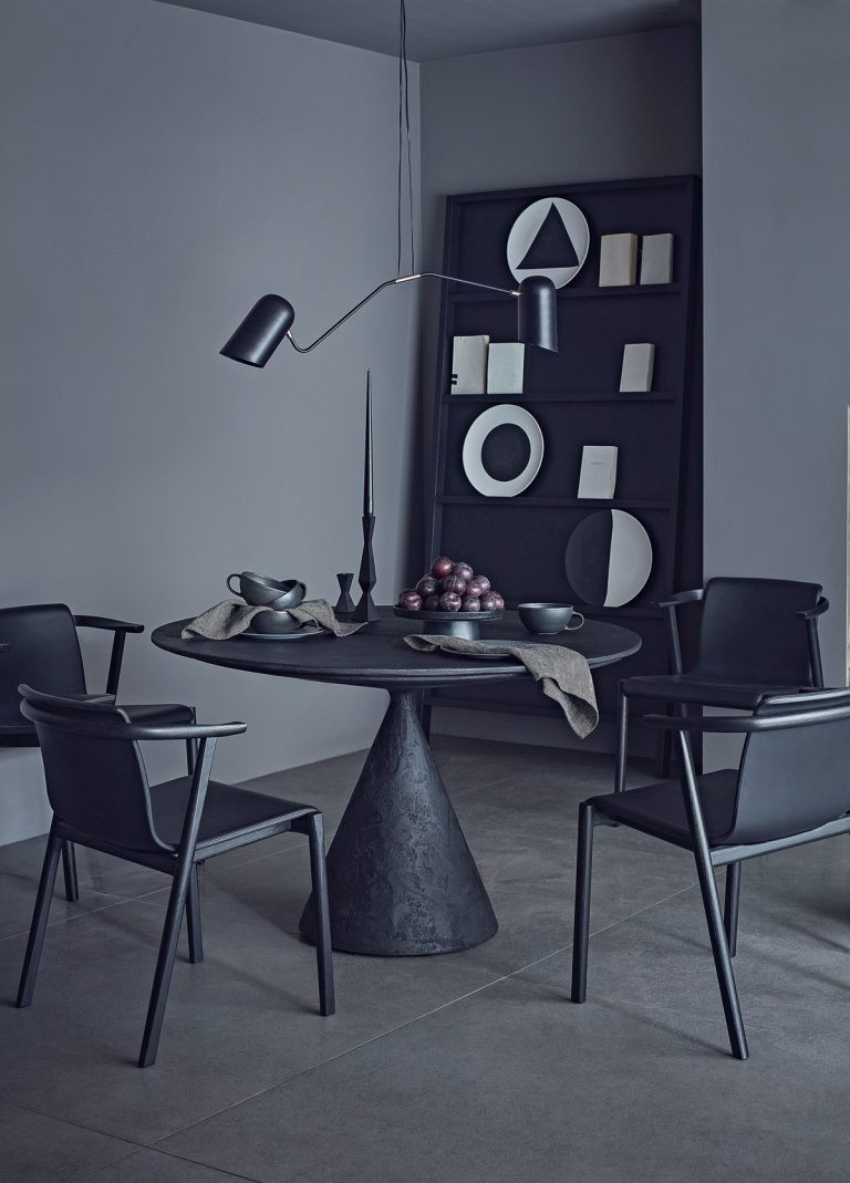 Scandi noir:  современный скандинавский интерьер в темных тонах /  блог senko architects /скандинавский стиль в интерьере / дизайн студия украина/ дизайн бюро киев /scandinavian interior / столовая в темных тонах