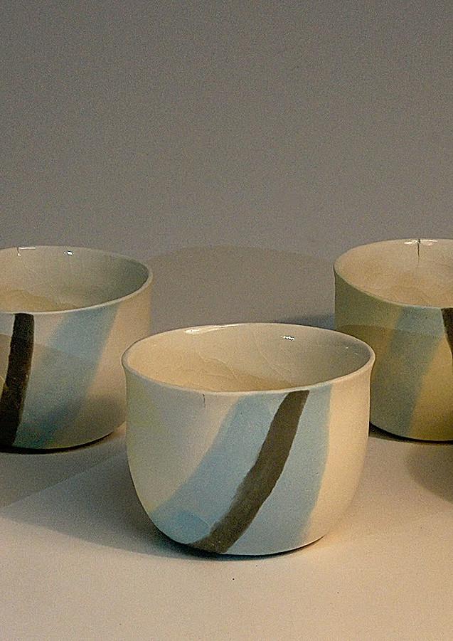 Porcelaine de couleur  diam 6 ht 6 cm