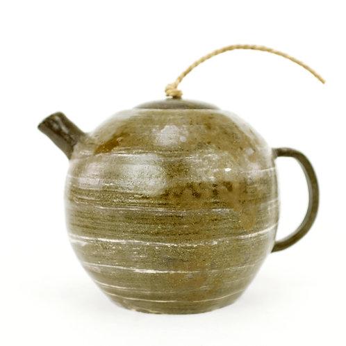 Teapot by G. Halewyck