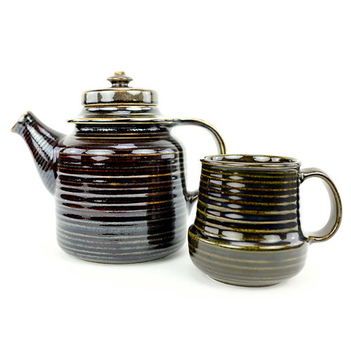 Arabia 'MAHONKI' Teapot and Cup from Finland