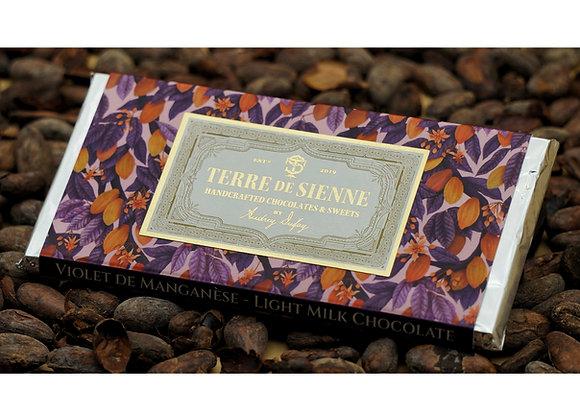 Violet de Manganèse - 38% Light Milk Chocolate Bar