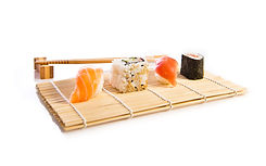 sushi-food-white-background.jpg