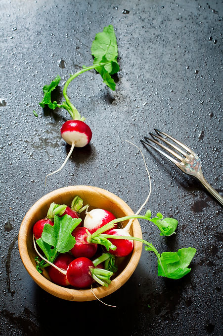 radishes-with-water-drops-582GBSS.jpg